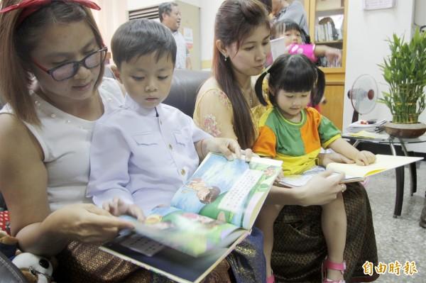 萬巒鄉國中小、幼兒園約有300名學童來自新住民家庭,佔了所有萬巒鄉學童的4分之1。(記者邱芷柔攝)