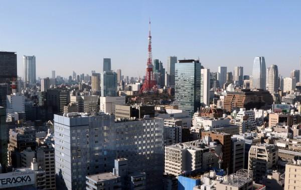 日本厚生勞動省今天公布,預估到15日,逾100歲的人瑞有6萬1568人(比去年增2784人),首度突破6萬人。(資料照,法新社)