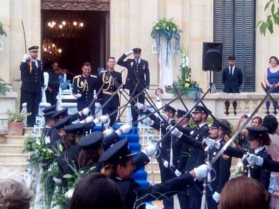 警界同仁們也到場共襄盛舉,婚禮現場幸福又浪漫。(圖擷自網路)