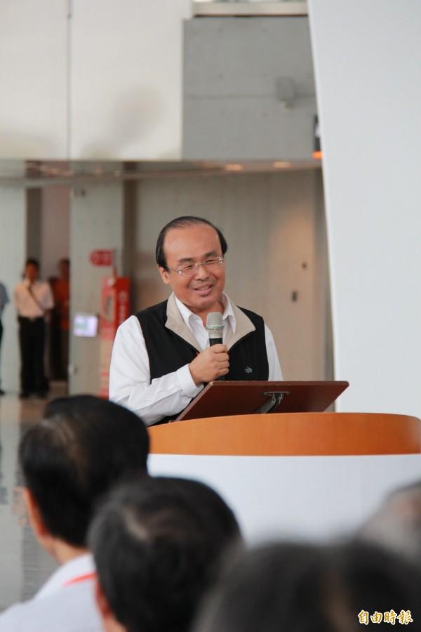 交通部長陳建宇宣布,原本北、高票價1630元將降價到1490元,全線票價降幅約9%(記者陳冠備攝)