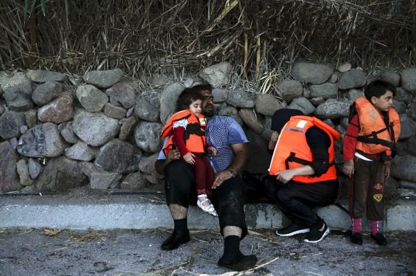 許多難民為逃避戰亂,紛紛遠從家鄉湧入歐洲,但聯合國指出,若敘利亞的戰亂持續,估計還會再有超過百萬難民被迫離開家鄉。(路透)