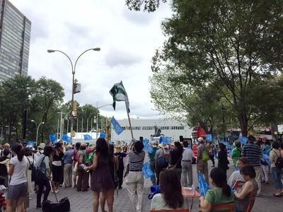 聯合國大會即將開議,來自台灣的民間團體自發性組織到聯合國前廣場舉行「加入聯合國來捍衛台灣自由」遊行。(中央社)