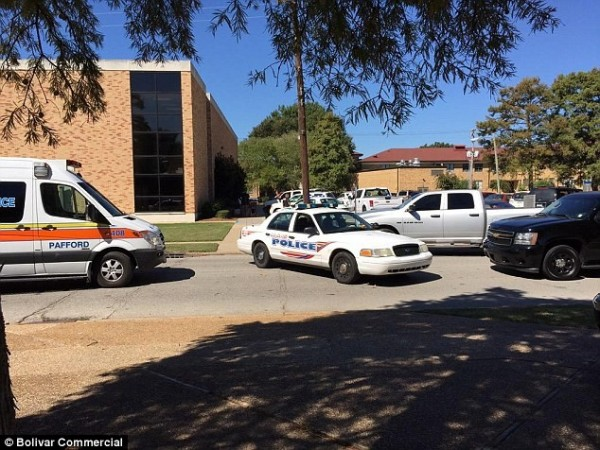 美國密西西比州的德爾塔州立大學(Delta State University)昨天驚傳校園槍擊案,一名歷史學教授被槍殺身亡。(圖取自每日郵報)