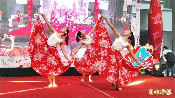 台中市結合花卉與藝術能量打造「台中花都藝術節」,讓各界「花」現台中文化力。(記者蘇孟娟攝)