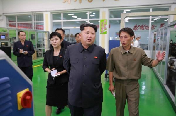 中國與北韓關係轉冷,外傳北韓領導人金正恩大肆整肅華僑,更要在建黨70週年舉行比中國盛大的閱兵儀式。(法新社)