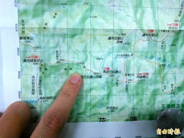 AT-3疑似失事地點位於馬路巴拉讓山。(記者花孟璟攝)