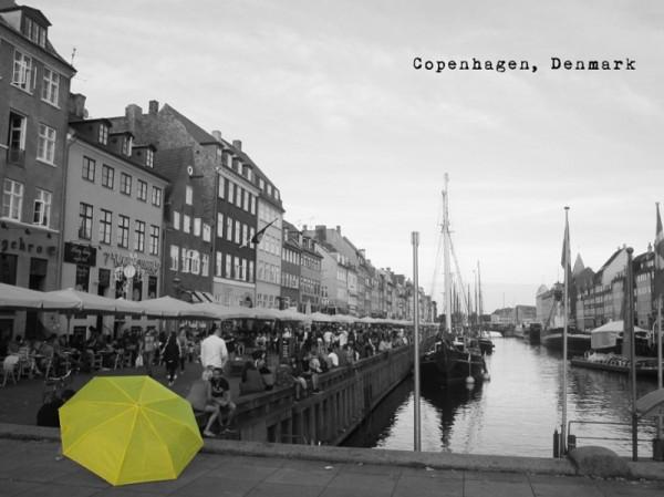 丹麥哥本哈根。(圖擷自《在世界看見雨傘 The traveling umbrella》臉書專頁)