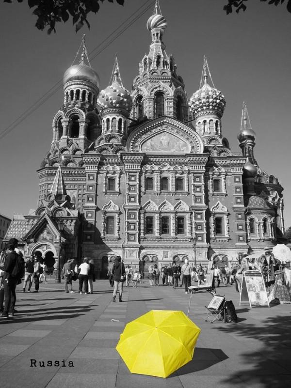 俄羅斯聖彼得堡。(圖擷自《在世界看見雨傘 The traveling umbrella》臉書專頁)