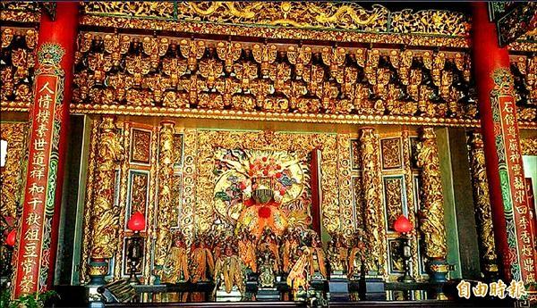 新竹縣新豐鄉埔和村民根據「石人頭」傳說,興建石和宮祭祀。(記者廖雪茹攝)