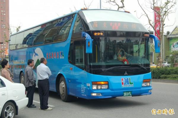 宜蘭到台北的國道客運已復駛,首都客運今天清晨5點40分發出首班車,葛瑪蘭客運預計上午10點發車,北迴鐵路中午前仍停駛。(資料照,記者江志雄攝)