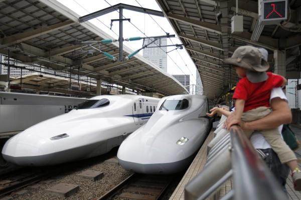 印尼高速鐵路案,中國高鐵擊敗日本新幹線得標,讓日本官員氣憤表示:「無法想像!」(彭博)