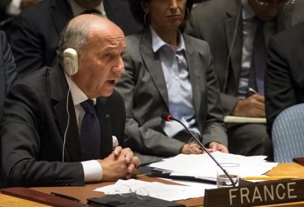 法國昨日在聯合國提議,在大規模暴行或種族屠殺的議題上,應限制安理會5個常任理事國的否決權。該提案得到75個國家的支持。(路透)