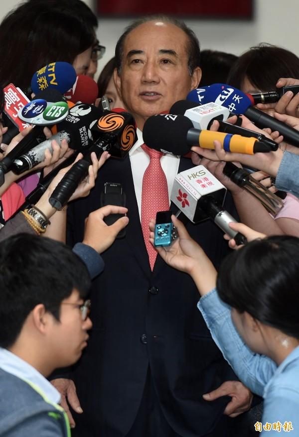 立法院長王金平今天下午表示,中華民國是主權獨立國家,兩岸要談統、談獨都不是,要擱置統獨爭議。(資料照,記者簡榮豐攝)