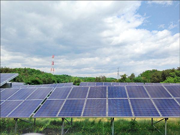 有中國太陽能產品透過台灣自由貿易港區轉運,並偽造「MIT」標章,規避反傾銷稅,引起歐盟關切。(資料照)