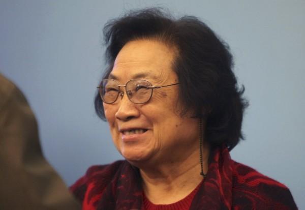 諾貝爾生醫獎得主之一,中國籍的屠呦呦。她過去在中國國內沒有受到太大的重視,還曾被稱「三無」科學家。(路透)