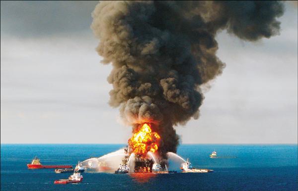 英國能源巨擘英國石油(BP)2010年墨西哥灣漏油汙染事件,以6847億台幣與美國和解。(法新社檔案照)