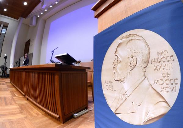 首屆諾貝爾獎項於1901年,即諾貝爾死後5年頒發。經濟學獎則是由瑞典中央銀行於1968年創設。(法新社資料照)