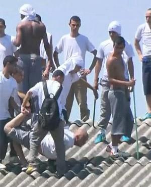 巴西監獄發生大暴動。(圖取自推特)