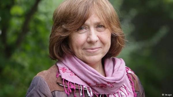 2015年諾貝爾文學獎揭曉,得獎者是白俄羅斯女記者兼散文作家亞歷塞維奇(Svetlana Alexievich)。(圖擷取自網路)