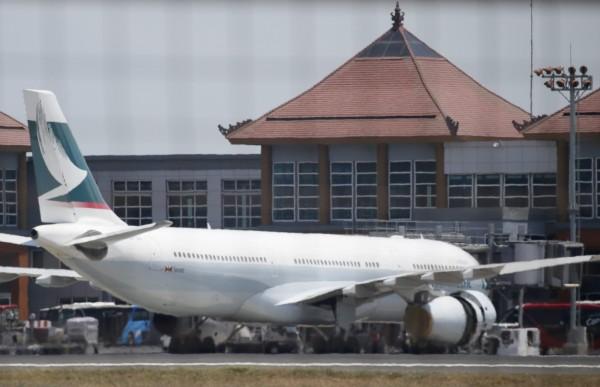 印尼新增30個國家及地區享有免簽證待遇,其中包括台灣,今後台灣旅客入境印尼,可免繳35美元(約台幣1200元)的落地簽費用。(資料照,歐新社)