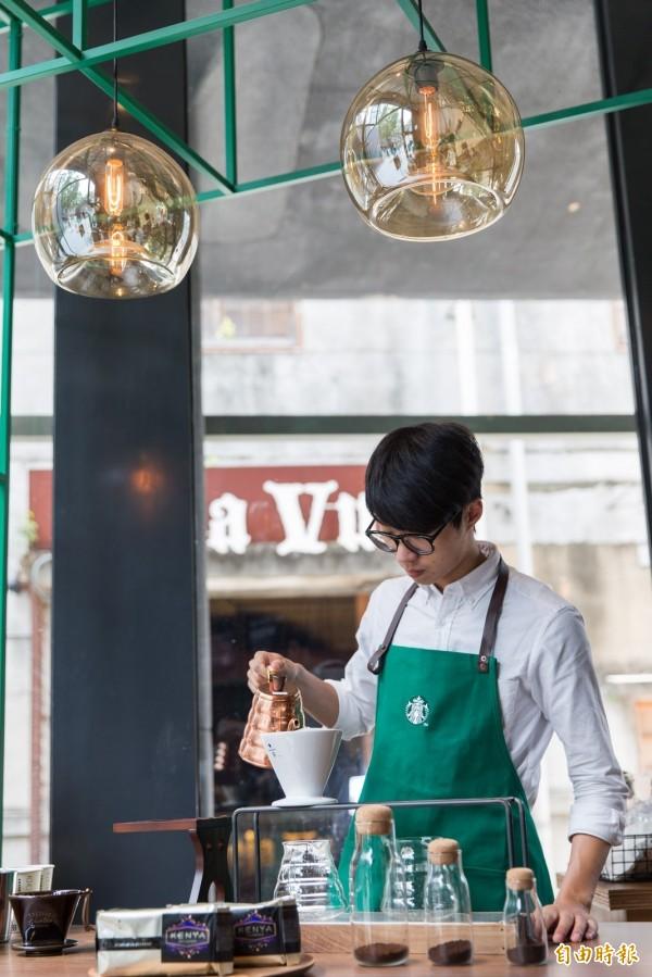 星巴克在網路的連鎖咖啡店評比中獲得第一名。(資料照,記者楊雅民攝)