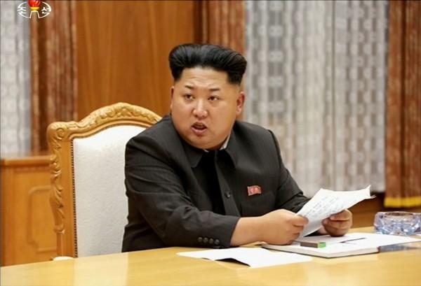 北韓的唯一執政黨朝鮮勞動黨成立70週年,中國國家最高領導人習近平向朝鮮勞動黨第一書記金正恩致賀電,並強調希望中朝友誼代代相傳。(法新社)
