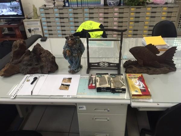 竊賊闖空門偷竊木雕等財物。(記者林近翻攝)