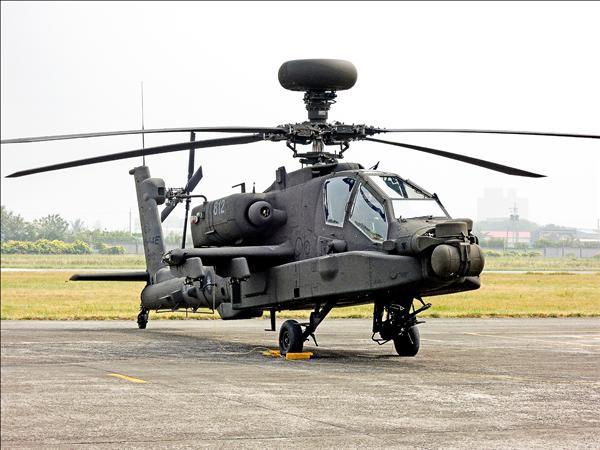 陸軍開放各團體申請到陸軍六○一旅參訪阿帕契直升機,目前已有六十五團提出申請。(資料照)