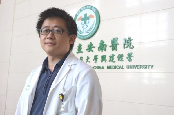 台南市立安南醫院神經科醫師呂潔旼指掌握黃金救援三小時,有機會救回中風患者健康。(圖:安南醫院提供)