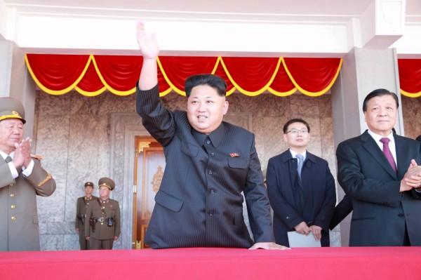 北韓教科書神化領導人嚴重,甚至稱金正恩(見圖)三歲就會開槍。(資料照,路透)