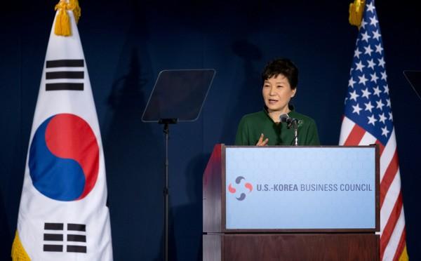 南韓總統朴槿惠於本週赴美訪問時,遭一群越南裔女性召開記者會要求南韓政府道歉。(美聯社)