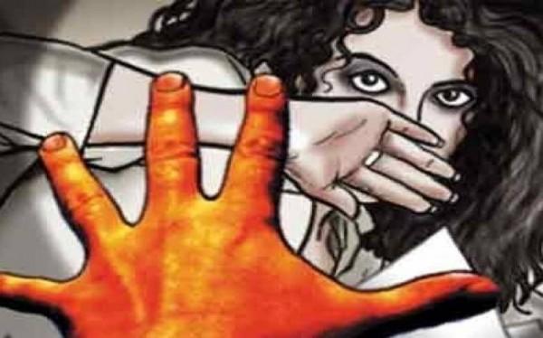 印度昨夜再度驚傳2起駭人慘劇,在首都新德里周遭接連傳出年僅2歲半及5歲的女童竟慘遭集體性侵。(圖擷自indiatoday)
