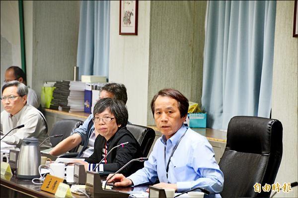 林欽榮宣布,柯文哲下個月27日將去社子島「Home stay」,傾聽當地民眾意見。(記者鍾泓良攝)