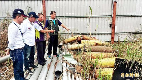 高樹鄉建興村一處資源回收場鋼瓶氯氣外洩,縣府與地方到場追查。(記者羅欣貞攝)
