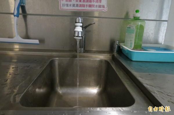台水公司表示,鉛水管明年將全部更換。(資料照,記者蘇金鳳攝)
