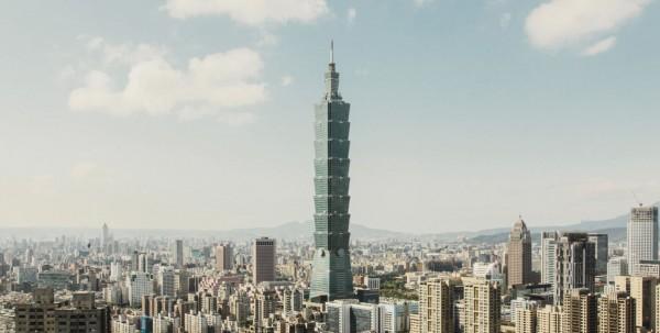 美國的《Popular Mechanics》雜誌將台北101列選為全球十大最堅韌建築之首。(圖擷取自《Popular Mechanics》)