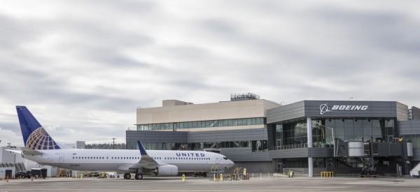 美國一名身障男子,搭乘聯合航空,因為工作人員不願提供適當的協助,竟然被迫在機艙內爬行。事後聯合航空公司派代表向致電表達歉。(法新社)
