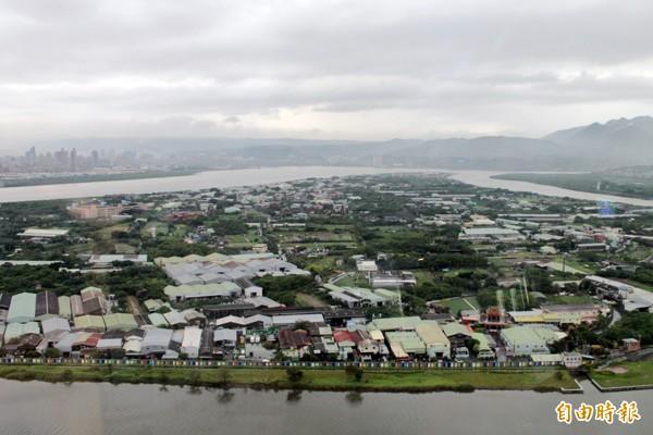 社子島居民不滿i-Voting要參考兩成台北市民的意見。圖為社子島空拍照。(資料照)