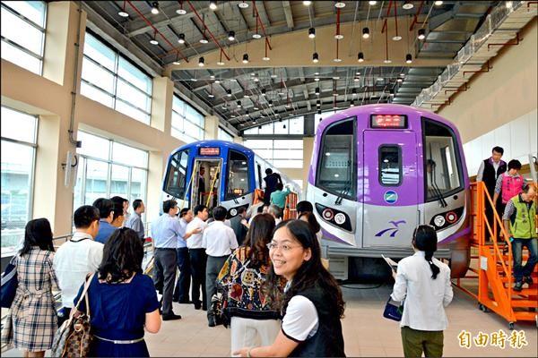 機場捷運通車時程多次延宕,桃捷董事長何煖軒對於明年三月通車的時程表持保留態度。(記者謝武雄攝)