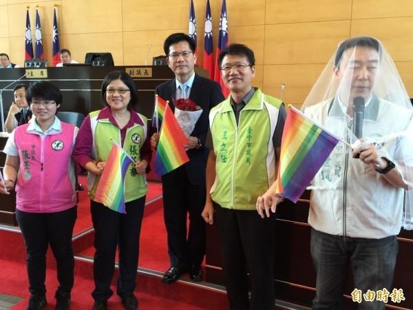 台中市長林佳龍曾表示,對於同性伴侶共組家庭關係,他個人懷抱祝福,將儘快徵詢同志朋友意見,研議同志婚禮的舉辦形式。(資料照,記者黃鐘山攝)