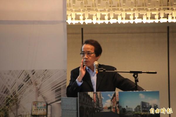 林欽榮表示,北市府將規劃民間都更轉軌公辦都更的辦法,未來難以執行的都更案只要符合條件就可以轉由政府擔任實施者。(記者鍾泓良攝)