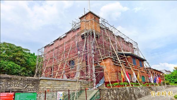 國定古蹟淡水紅毛城因主樓漏水和外牆劣化,今年一月起封樓進行修繕工程。(記者李雅雯攝)