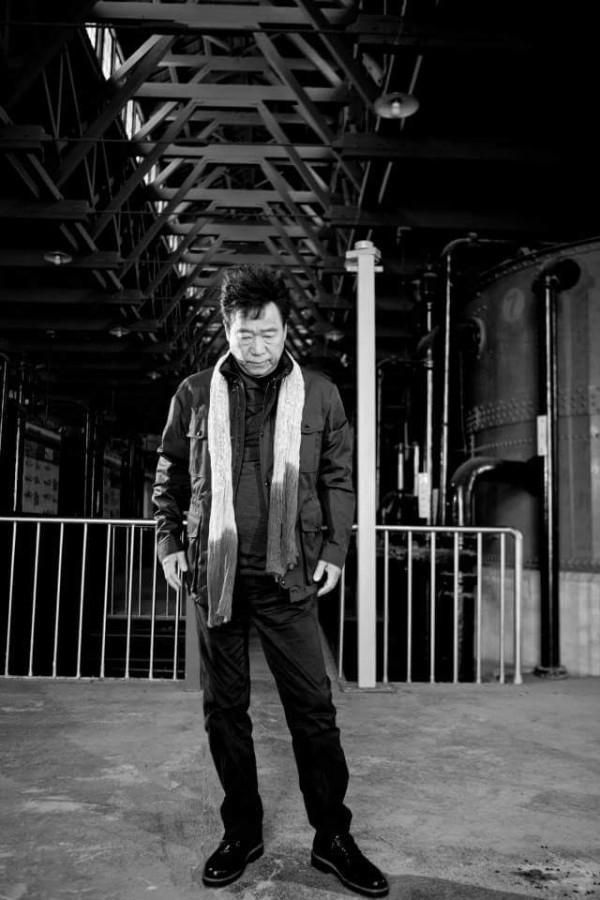 為了圓夢,吳木這次無所牽掛回到歌唱舞台,從專輯的形象照中可以看出年過半百的吳木,反而凸顯了幾分成熟男人的味道。(圖擷取自吳木臉書)
