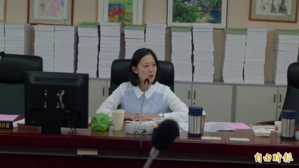 市議員吳思瑤也反對城博喊停,稱程序不正義。 (記者游蓓茹攝)