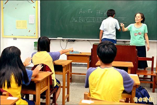 天下雜誌調查,9成老師認為課後補救教學沒效果。圖中人物與新聞無關。(資料照,記者叢昌瑾攝)