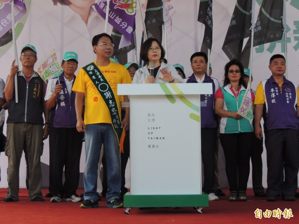民黨主席蔡英文批馬英九總統未捍衛台灣人自由民主的價值及權利。(記者歐素美攝)