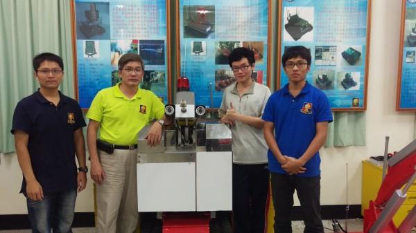 正修科技大學「救災救援子母機器人」獲得金牌與大會最佳作品。(世界發明智慧財產聯盟總會提供)