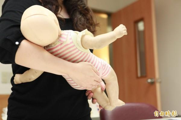 教育部考慮老師育嬰假採學期制。(本報資料照)