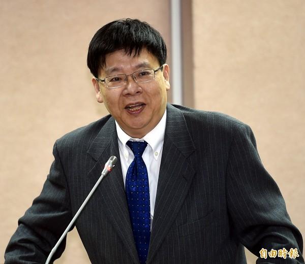 科技部網站被爆刊登徵求台灣年輕博士前往中國泉州任教的訊息,引發外界批判,科技部長徐爵民、科技部次長林一平表示,將會自請處分負起責任,也會應提出懲處名單。圖為林一平。(資料照,記者方賓照攝)