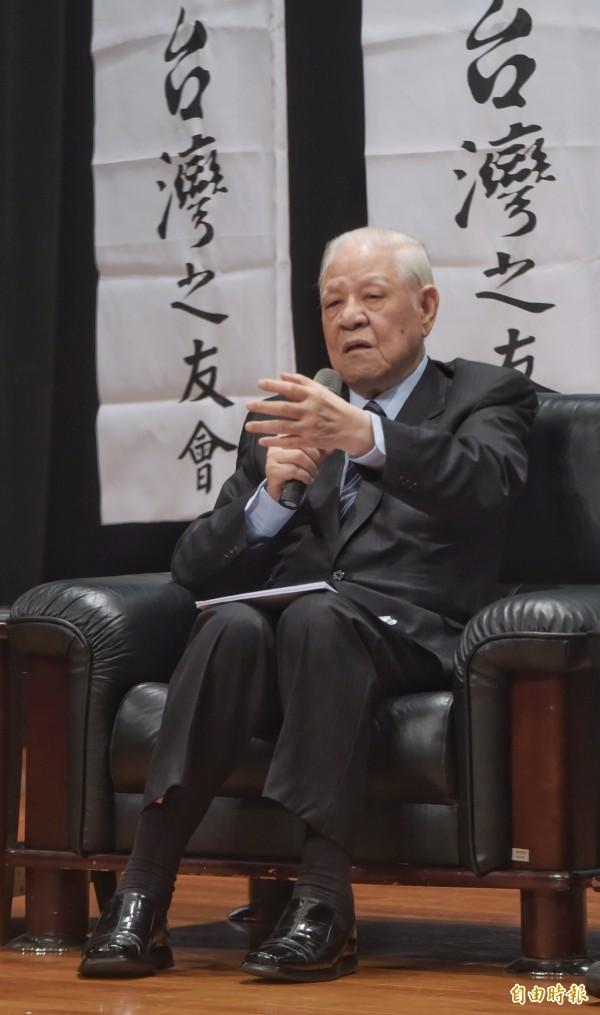 前總統李登輝14日與時代力量黨主席黃國昌及學運領袖林飛帆進行座談。(記者王敏為攝)